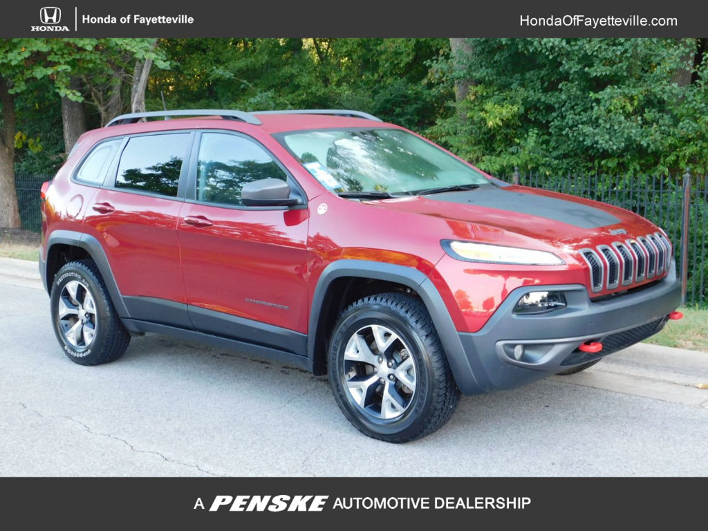 Pre-Owned 2017 Jeep Cherokee TRAILHAWK Sport Utility