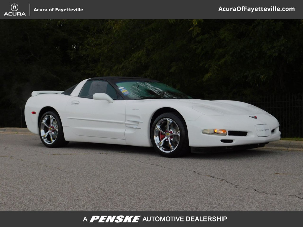 Pre-Owned 2004 Chevrolet Corvette 2dr Coupe