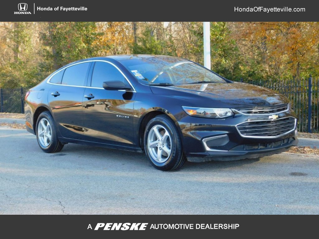 Pre-Owned 2017 Chevrolet Malibu 4dr Sedan LS w/1LS