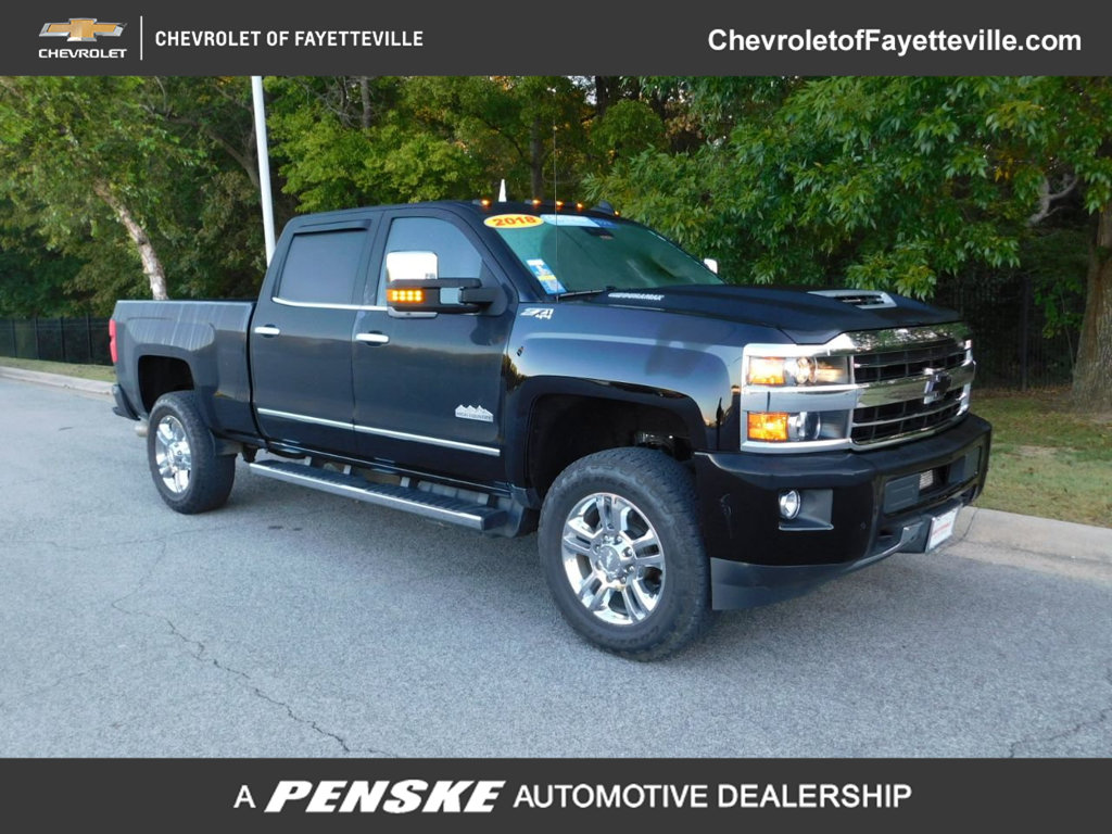 "Pre-Owned 2018 Chevrolet Silverado 2500HD 4WD Crew Cab 153.7"" High Country"