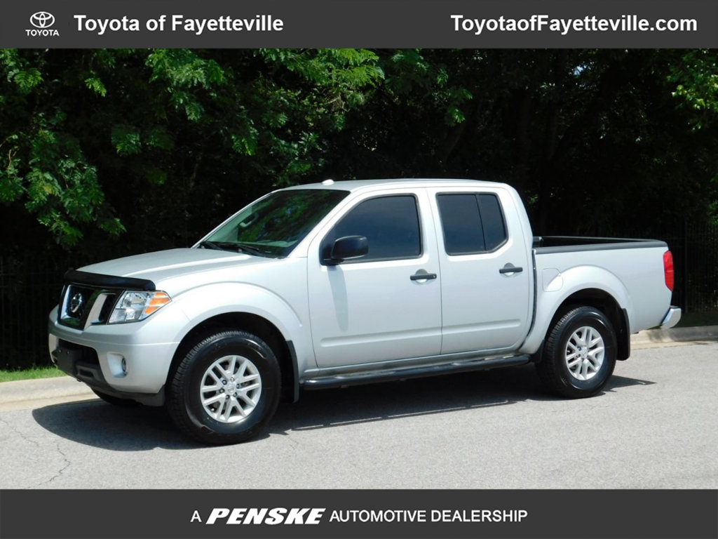 Pre-Owned 2017 Nissan Frontier Crew Cab 4x4 PRO-4X Automatic
