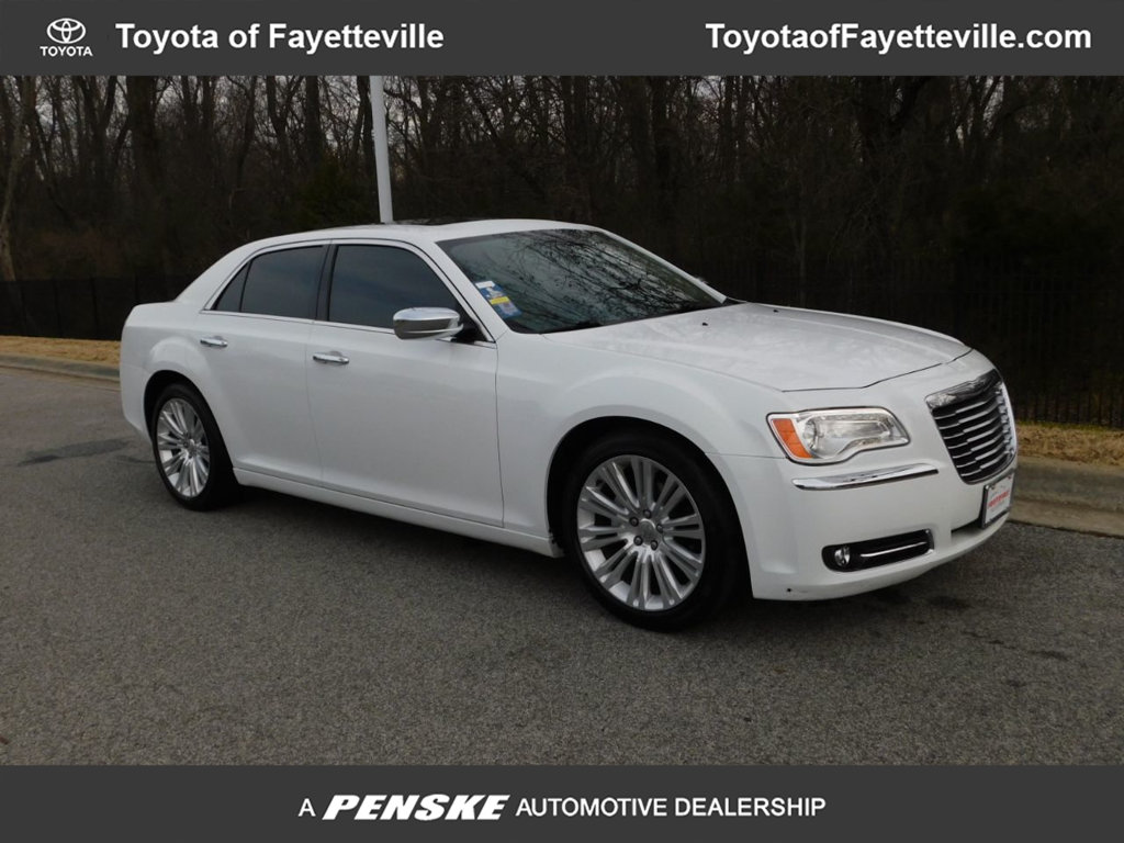 Pre-Owned 2012 Chrysler 300 4dr Sedan V6 Limited RWD