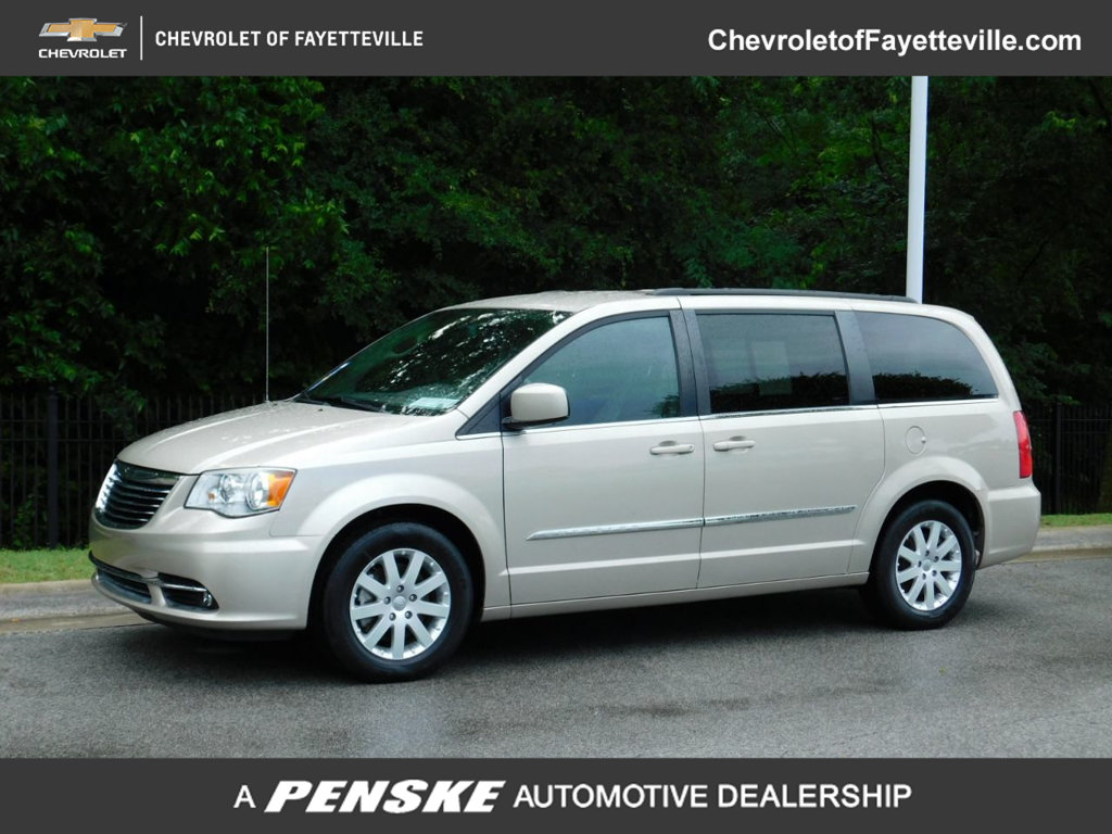 Pre-Owned 2014 Chrysler Town & Country 4dr Wagon Touring