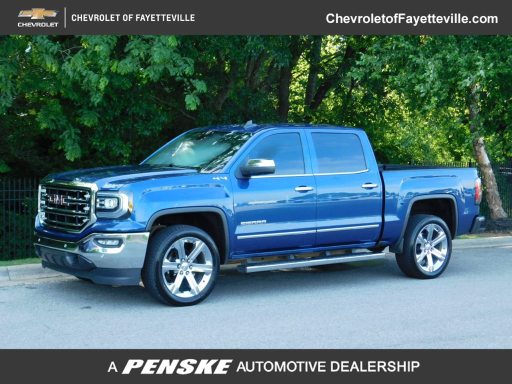 Pre-Owned 2017 GMC Sierra 1500 4WD Crew Cab 143.5