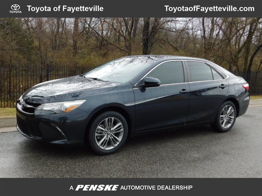 Pre Owned 2016 Toyota Camry 4dr Sedan I4 Automatic Se