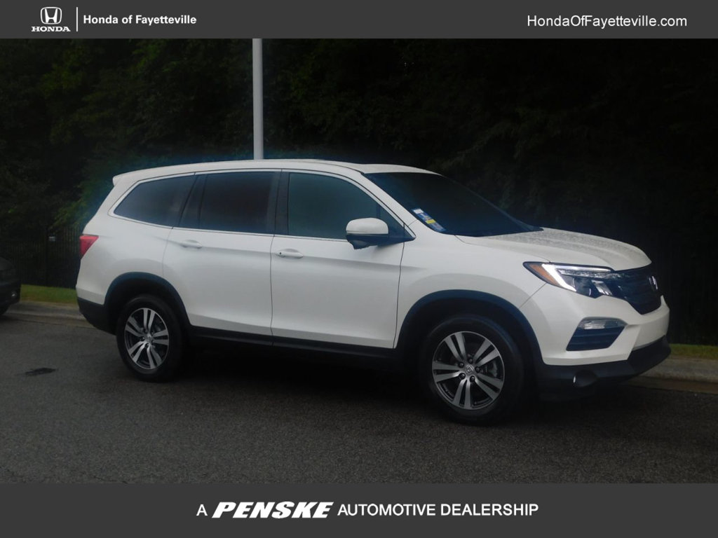 Pre-Owned 2017 Honda Pilot EX-L w/Navigation AWD