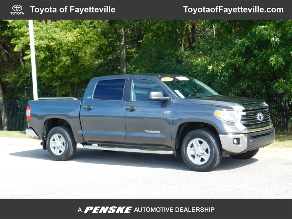 Pre-Owned 2017 Toyota Tundra 4WD SR5 CrewMax 5.5' Bed 5.7L FFV