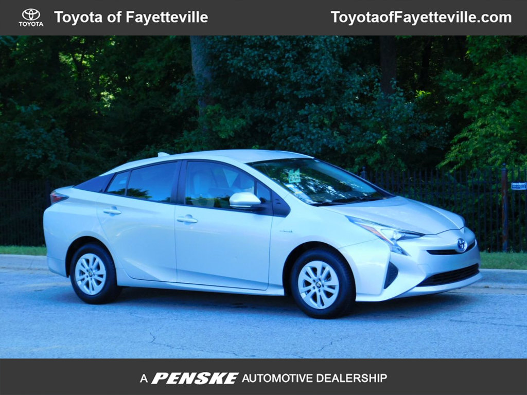 Pre-Owned 2016 Toyota Prius 5dr Hatchback Two