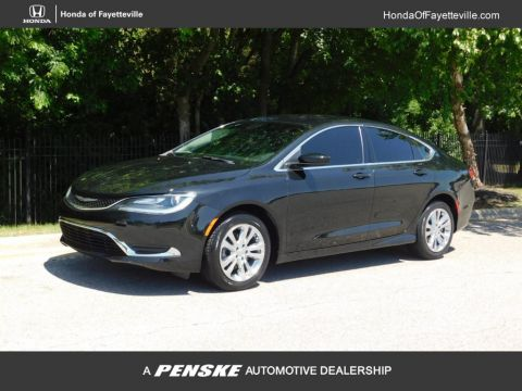 Pre-Owned 2016 Chrysler 200 4dr Sedan Limited FWD