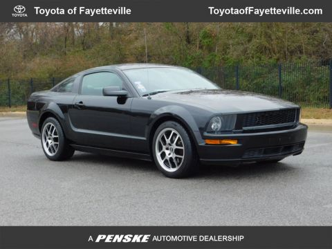 Pre-Owned 2008 Ford Mustang 2dr Coupe GT Premium
