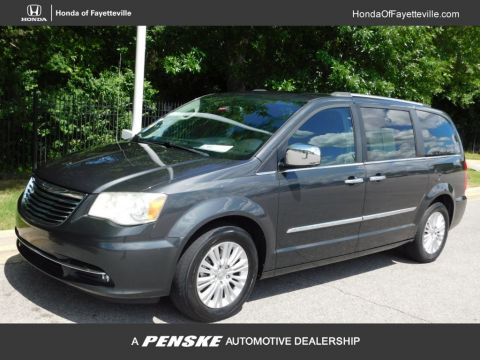 Pre-Owned 2012 Chrysler Town & Country 4dr Wagon Limited