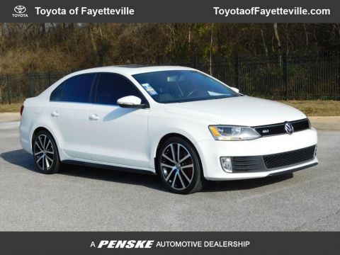 Pre-Owned 2012 Volkswagen GLI 4dr Sedan Manual Autobahn w/Nav