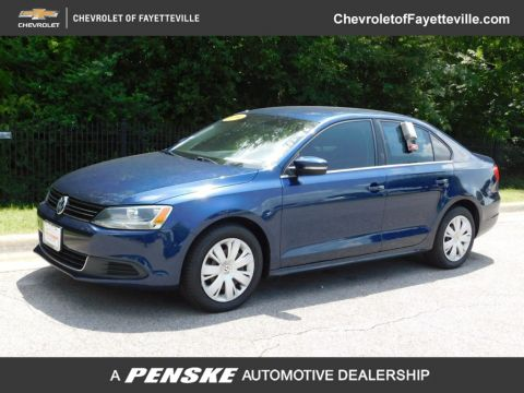 Pre-Owned 2013 Volkswagen Jetta Sedan 4dr Automatic SE PZEV