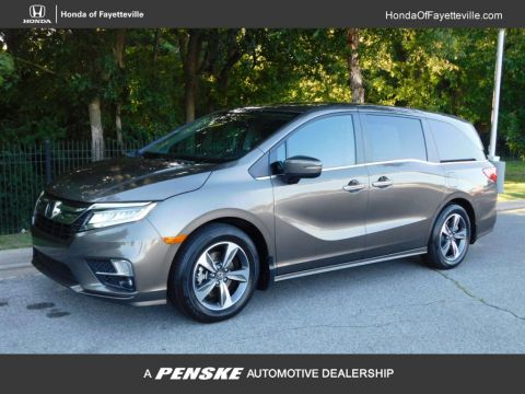 Pre-Owned 2018 Honda Odyssey Touring Automatic