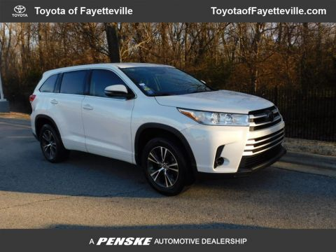 Pre-Owned 2018 Toyota Highlander LE I4 FWD
