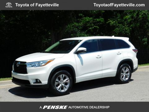 Pre-Owned 2015 Toyota Highlander FWD 4dr V6 LE Plus