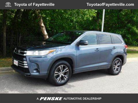 Pre-Owned 2018 Toyota Highlander LE Plus V6 FWD