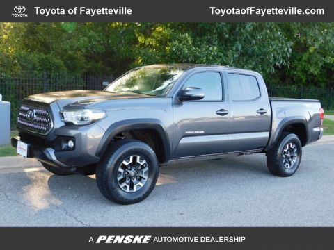 Pre-Owned 2017 Toyota Tacoma TRD Off Road Double Cab 5' Bed V6 4x4 Automatic
